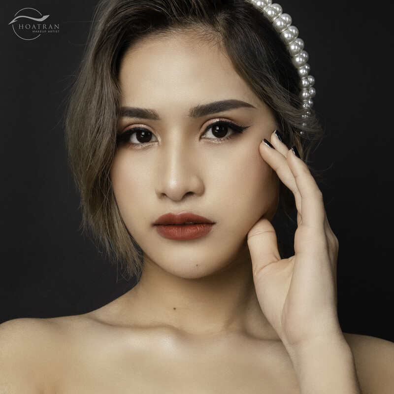Khoa hoc basic makeup